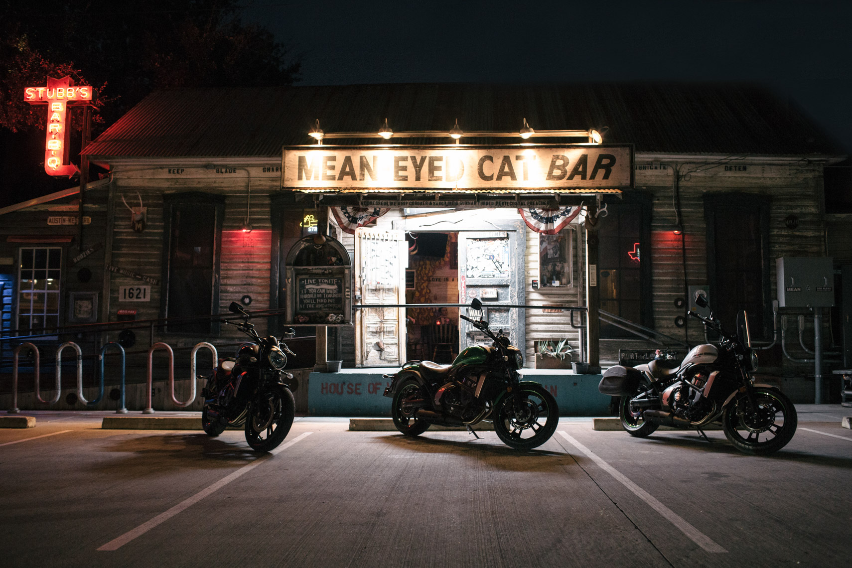 day_3_mean_eyed_cat_bar_exterior_0679-Edit